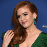 Friend Isla Fisher presented Watts with the award.