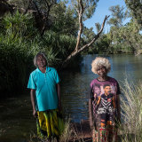 Elders Naomi Wilfred and May August on Alawa country in the NT.