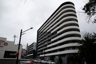 An engineer has raised serious concerns about the structural soundness of the 10-storey building which forms part of the Vicinity complex at Canterbury.