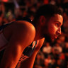 Simmons set to miss three games with shoulder sprain