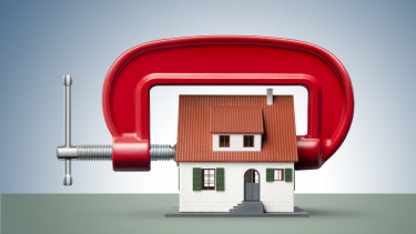 Battle front for lenders has switched from fixed rate to variable rate mortgages