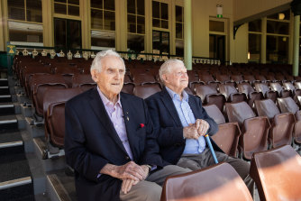 Former Australian Test cricketers Alan Davidson (left) and Neil Harvey at the SCG on Wednesday.