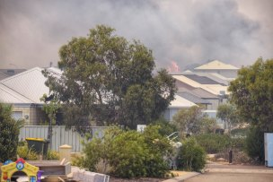 Yanchep bushfires threatening homes in Perth's north