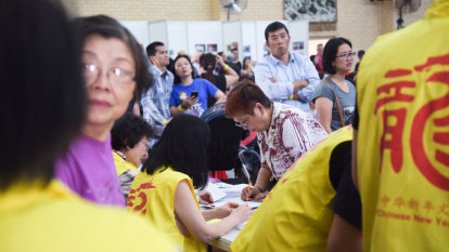 Challengers defeated in battle for control of powerful Chinese cultural association