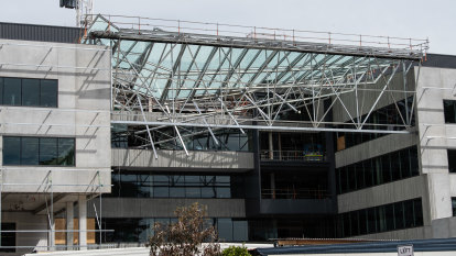 'You'd think you'd stop then, wouldn't you?': Union flags safety issues after Curtin University roof collapse
