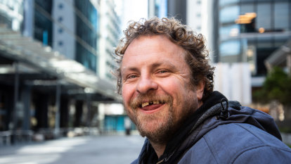 'A smile means more to me than a dollar': St Georges Terrace stalwart bids farewell to life on the streets
