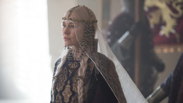Naomi Watts as Gertrude in Ophelia.