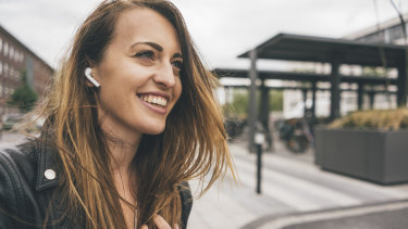There is still concern about the health effects of wireless earbuds despite assurances from scientists.