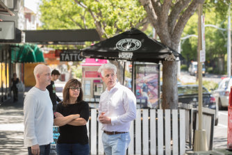 "About 600 St Kilda residents and traders including cafe owner Katherine Wilson say the suburb's main streets are in ""crisis""."