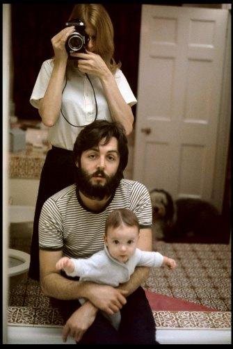 Linda McCartney, Self Portrait with Paul and Mary, London, 1969.