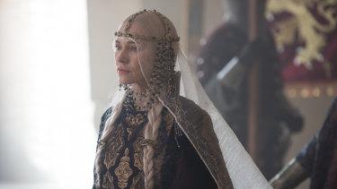 Naomi Watts as Gertrude in Ophelia.