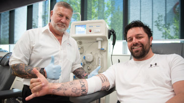Australian Red Cross Lifeblood nurse Nigel Self and donor Drew Humphrey.