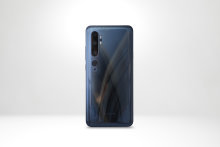 All the action happens round the back of the The Xiaomi Mi Note 10 Pro, with its cameras.