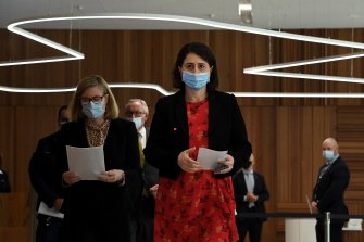 NSW Premier Gladys Berejiklian (centre) and Chief Health Officer Dr Kerry Chant (left) on Monday.