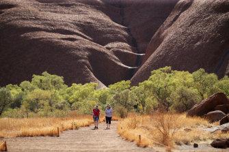 The walking path at the base of Uluru.