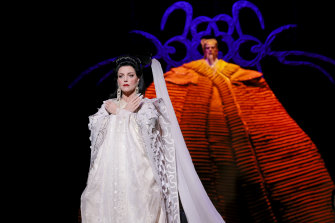 Lise Lindstrom is a brilliant Turandot.