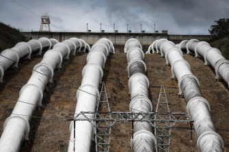 Snowy Hydro's plan to develop 2000 megawatts of storage is likely to be far more expensive than alternative projects, a new report finds.