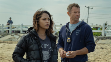 Jackie Quinones (Monica Raymund) and Sgt Ray Abruzzo (James Badge Dale) in Hightown.