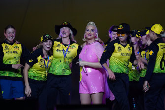 Katy Perry with members of the Australian team on stage after their win.