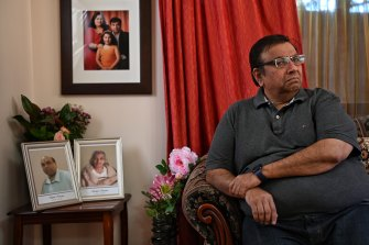 Sanjay Khanna with photos of his brother and mother, who recently died in India. His brother was an Australian citizen and died of COVID-19.