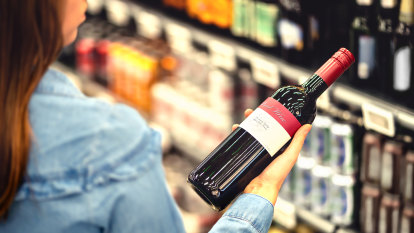'Proven ineffective': Doctors urge stronger alcohol pregnancy warning labels