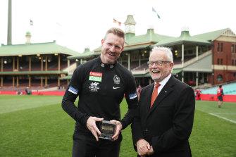 Buckley was given a piece of SCG turf by Tony Shepherd.