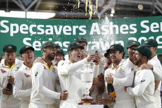 Retaining the Ashes is the major task for the Aussie cricket team in 2021-22.