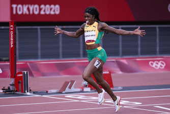 إيلين طومسون-هيراه تفوز بنهائي 200 متر سيدات في طوكيو.