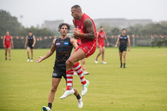 Lance Franklin takes a grab at the GWS Giants' home base on Sunday.
