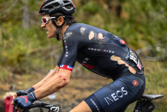 Geraint Thomas could not avoid a drink bottle and his injuries are more serious than first thought.