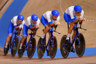 The Italian quartet broke their own  world record on the way to the gold medal.