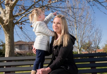 Cassandra Gibson in 2016 with her two-year-old daughter Ella in Perth.