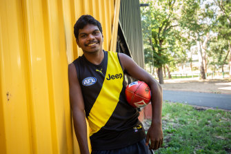 Maurice Rioli jnr has been picked up by his dad's club.