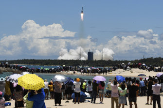 A rocket carrying China's Tianwen-1 Mars probe lifts of in July 2020.