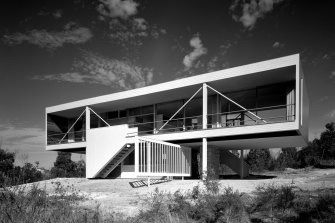 Julian Rose House in Wahroonga, designed by Harry Seidler.