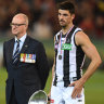 AFL Anzac Day Live: Collingwood hang on to win thriller
