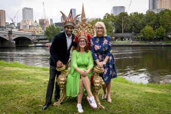 Last year's Moomba monarchs Julia Morris and Nazeem Hussain with lord mayor Sally Capp, just over a month before Melbourne went into its first lockdown.