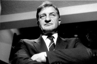 Elliott pictured in 1986.