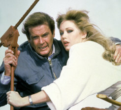 Roger Moore and Tanya Roberts in A View To A Kill.