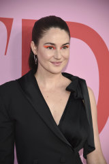Shailene Woodley in a low-coverage makeup look at the CFDA Awards this week.