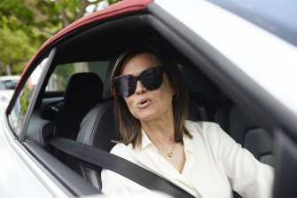Lisa Wilkinson leaves her Neutral Bay house following her departure from Nine in 2017.