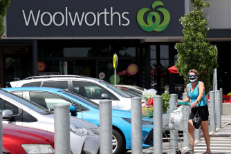 Woolworths is changing the hours - and cutting the pay - of up to 1800 shelf stackers