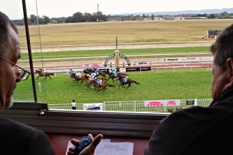 Punters will cast their eye over an eight-race card at Wagga on Thursday.