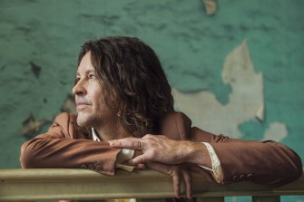 Bernard Fanning will headline the world's biggest indoor music gig since the pandemic, at Sydney's Qudos Bank Arena.