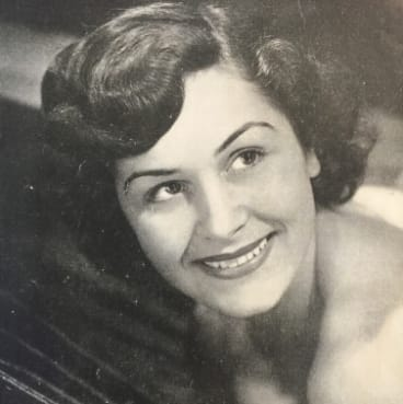 Daphne's 1949 cover photo in the Reading & Berkshire Review that launched her career.