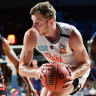 United storm home in NBL opener