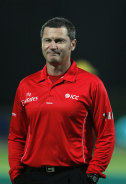Former top umpire Simon Taufel.
