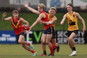 South Australia's Jason Horne-Francis (centre) is a hot favourite to be the AFL No.1 draft pick this year.