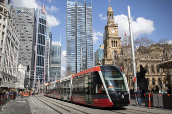 The tram leaves Town Hall for Circular Quay.