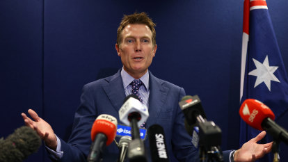 NSW Police Deputy Commissioner denied travel request to get statement from Porter's accuser